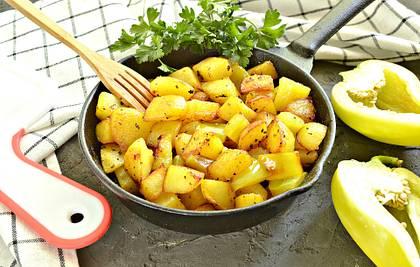 Картофель с болгарским перцем на сковороде