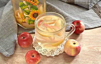 Компот из свежих яблок на каждый день